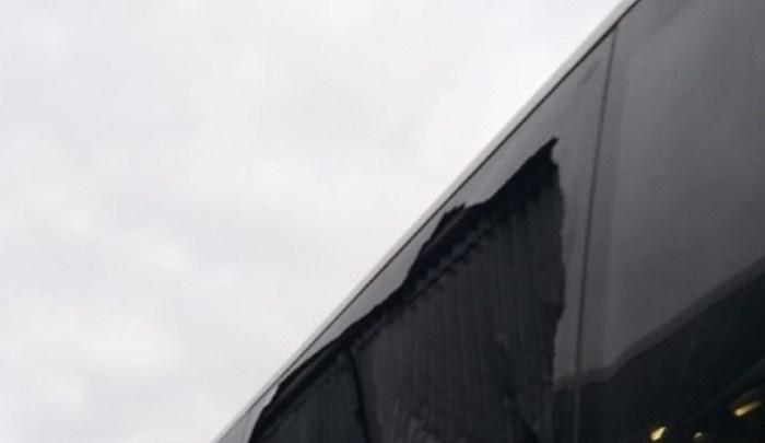 Rio: Torcedor do Grêmio relata que ônibus é apedrejado