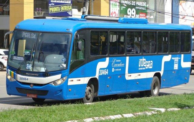 Empresa não entrega novos ônibus em Salvador e é obrigada usar ônibus executivo com ar