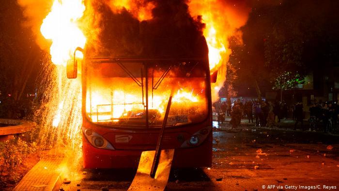 Chile vive domingo paralisado após protestos