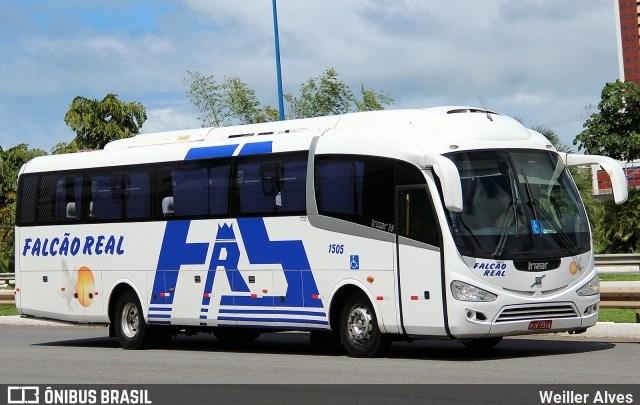 PRF apreende ônibus da Falcão Real na BR-324 por documentação vencida