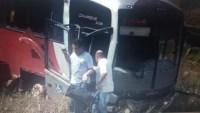 MG: Ônibus da Expresso Gardenia cai em barranco na BR-267 em Soledade de Minas