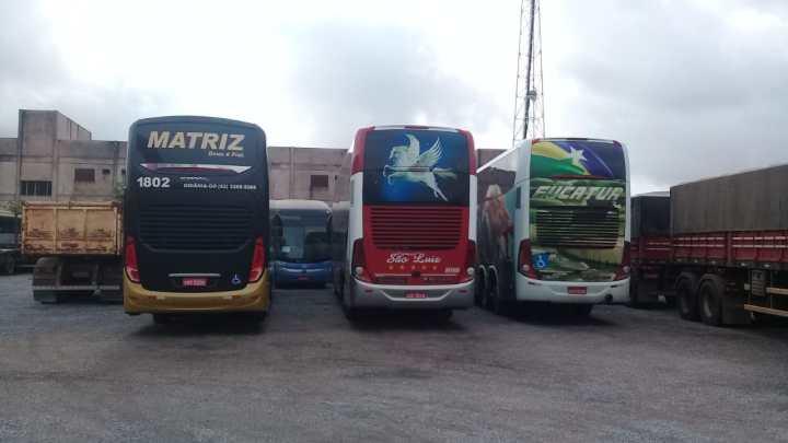 Operação de fiscalização apreende cinco ônibus no Mato Grosso