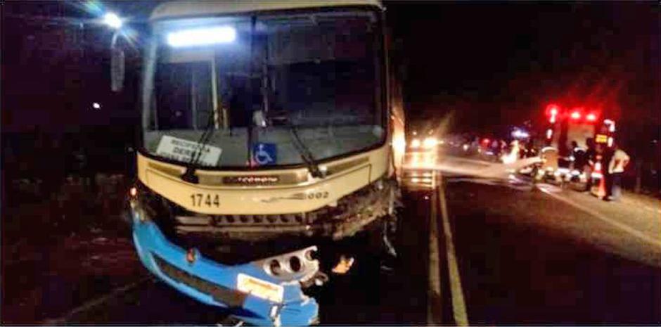 Acidente com ônibus da Empresa 1002 deixa feridos em Pernambuco neste domingo