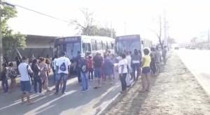 Moradores protestam pedindo mais ônibus em Palmas