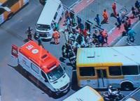 Ônibus acaba atropelando ciclista na Avenida Suburbana em Salvador