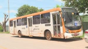 DF: Ônibus acaba assaltado após atolar na região do Sol Nascente