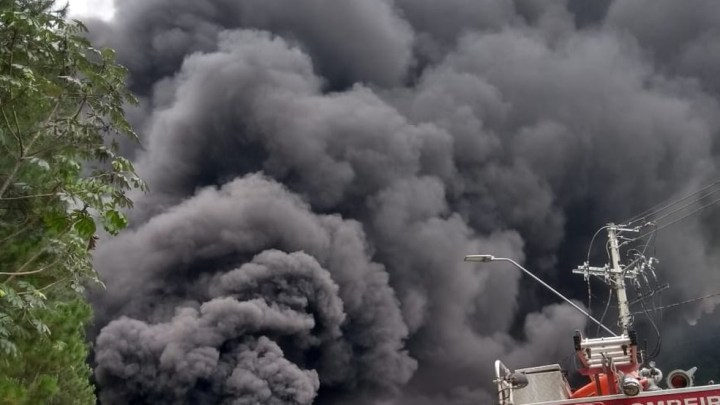 SP: Acidente fecha serra da Tamoios em Caraguá