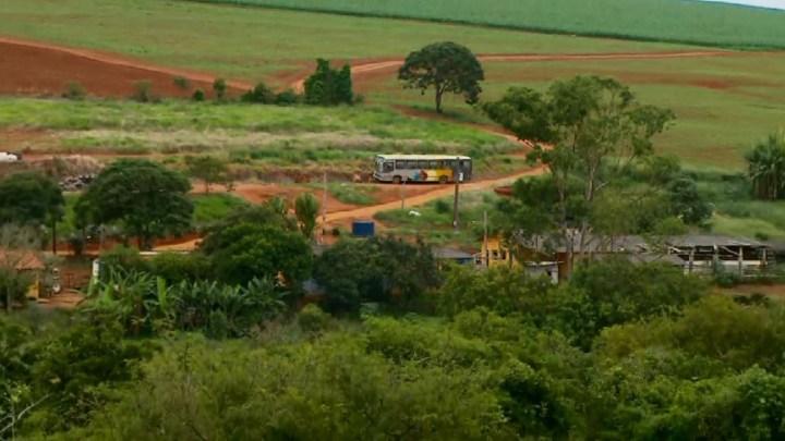 Sul de Minas: Passageira pula de ônibus em chama entre Elói Mendes e Cordislândia e acaba morrendo