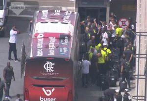 Ao Vivo: Acompanhe a saída do ônibus do Flamengo - AeroFla