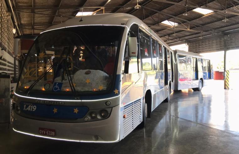 PE: Ônibus natalino começa a circular neste sábado 14 pelo litoral norte da região metropolitana