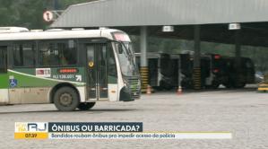 RJ: Transportes Flores já teve 58 ônibus usados em barricadas na guerra do tráfico de drogas