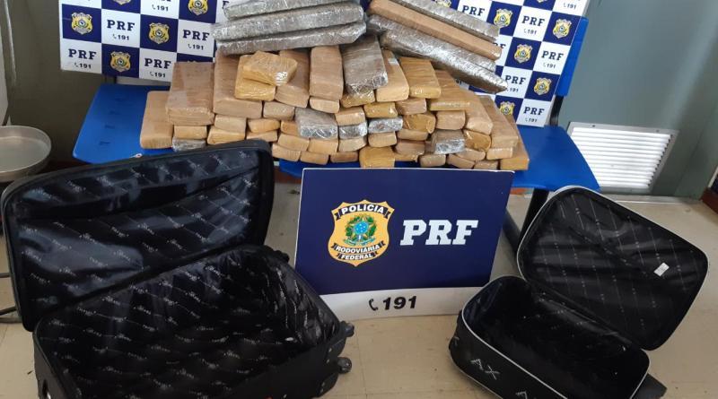 Passageiros de ônibus são presos pela PRF na BR 116 transportando mais de 50 quilos de maconha no Sul da Bahia