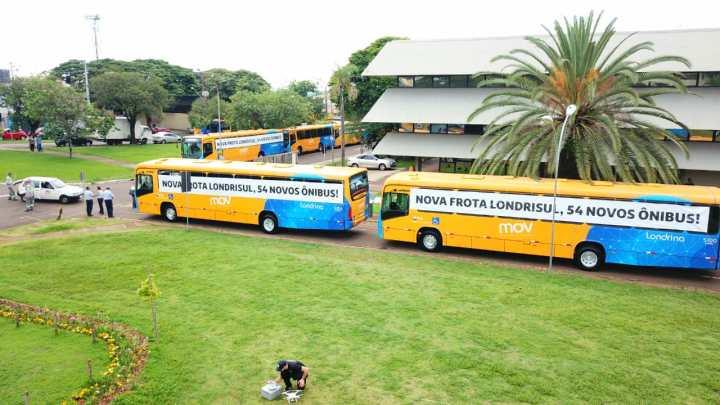 PR: Prefeitura de Londrina apresenta 54 novos ônibus