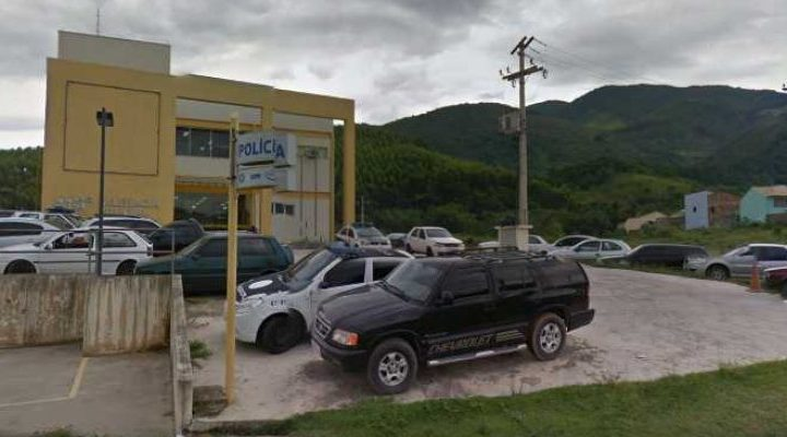 RJ: Ônibus de turismo é assaltado na BR-101 em Rio Bonito