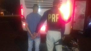 PR: Homem é preso pela PRF  em ônibus da Catarinense com quase 20 kg de maconha na BR-277