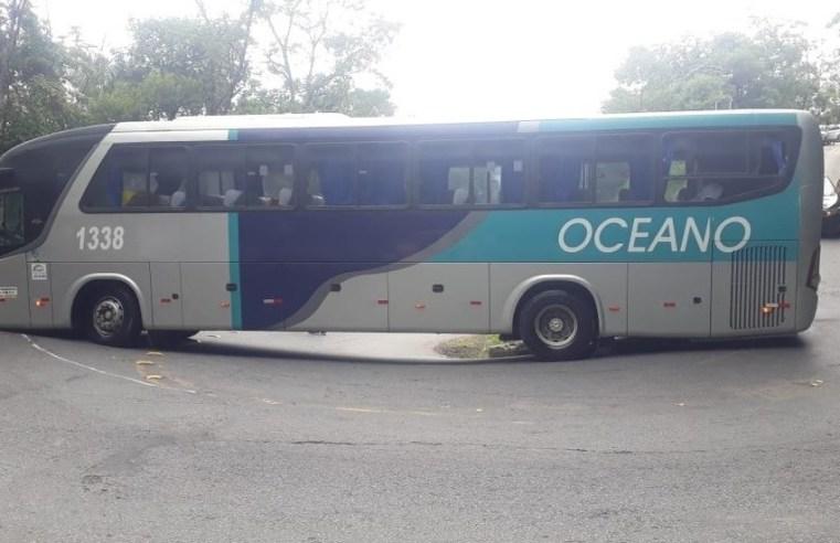 SP: Ônibus da Rodoviário Oceano trava trânsito no trecho de serra da Oswaldo Cruz por quase 2h