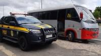 PRF apreende micro-ônibus na BR-316 em Teresina