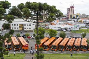 Curitiba recebe 20 novos ônibus urbanos nesta terça-feira