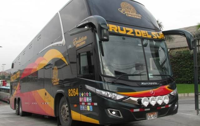Peru: Sobe para 16 o número de mortos no acidente com ônibus da Cruz del Sur. Há 2 brasileiros mortos
