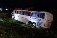 RS: Ônibus de turismo tomba e deixa feridos na FreeWay - BR-290