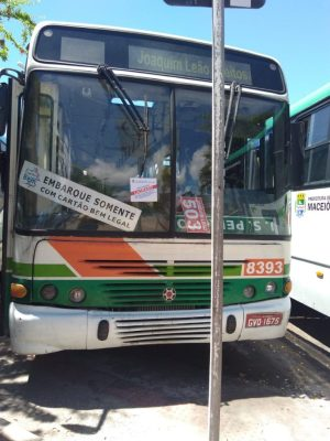 Ônibus são lacrados após fiscalização em terminais de Maceió