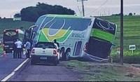 Acidente com ônibus da Brasil Sul chama atenção no Paraná