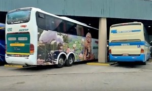 SP: Rodoviária de Osasco segue com problemas. Ônibus entra de ré para embarcar passageiros