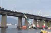 Guindaste atinge Ponte Rio x Niterói na manhã desta sexta-feira
