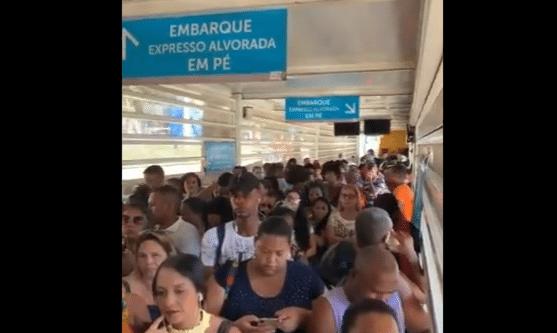 Rio: Estação do BRT Santa Cruz segue super lotada como mostra vídeo de passageira