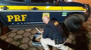 PRF prende passageiro de ônibus com quase 10 quilos de maconha na BR-364 em Rondônia