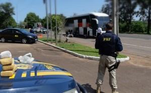 RS: PRF prende traficante de drogas com 5kg de maconha em ônibus da Unesul
