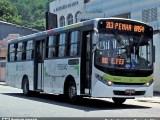 Rio: Passageiros de ônibus ficam em meio ao tiroteio na Penha na manhã desta terça-feira