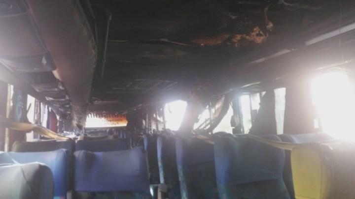 SP: Ônibus rodoviário pega fogo em Várzea Paulista neste sábado 11