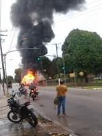 PA: Ônibus pega fogo na manhã desta quinta-feira em Belém