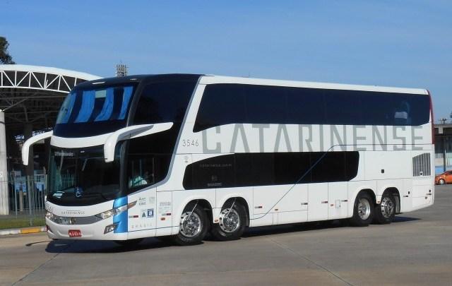 PR: Colisão entre carro e ônibus da Catarinense deixa um morto na BR-277