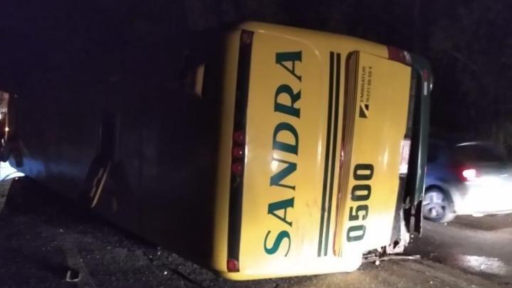 MG: Acidente entre caminhão e ônibus da Viação Sandra deixa 4 feridos na BR-040