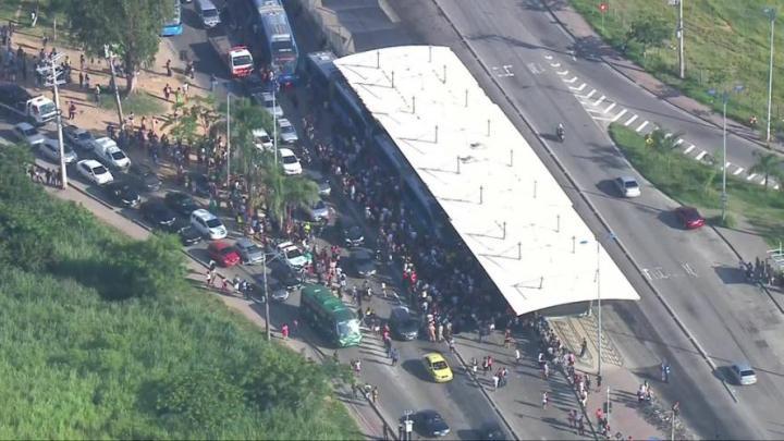 Rio começa o carnaval nesta sexta com manifestação no BRT na estação do Mato Alto