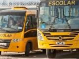 PE: Fiscalização da PRF  apreende ônibus escolares  na BR-104 ônibus levando passageiros para a praia