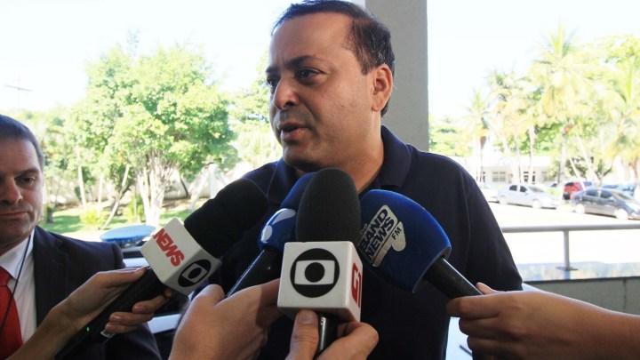 RJ: Prefeito de Niterói responderá em ação civil pública por receber propina de empresas de ônibus