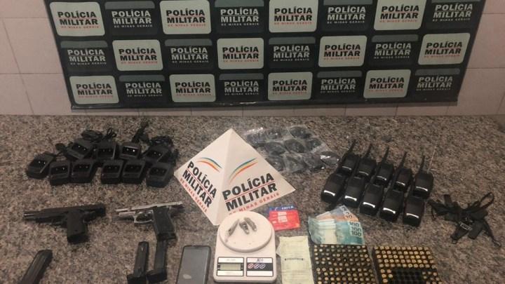 MG: Mulher é presa na rodoviária de Coronel Fabriciano com armas drogas, e munições