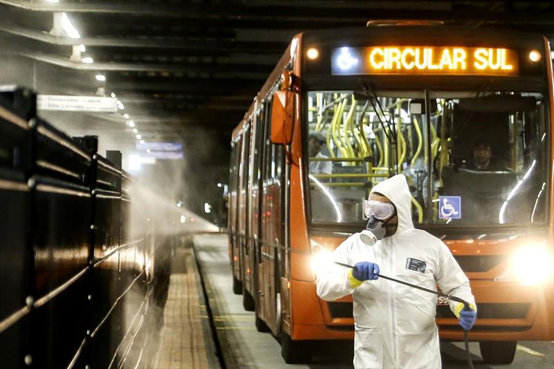 Prefeitura de Curitiba anuncia reforço na limpeza dos 22 terminais da cidade