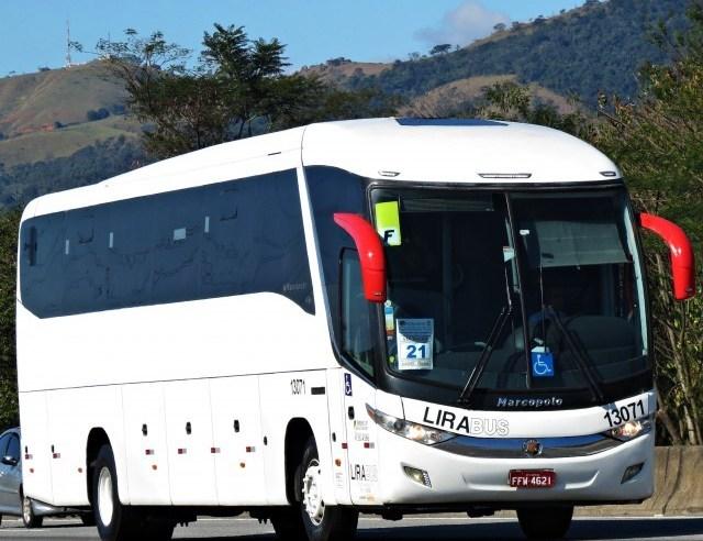 LiraBus segue usando ônibus branco no setor de turismo