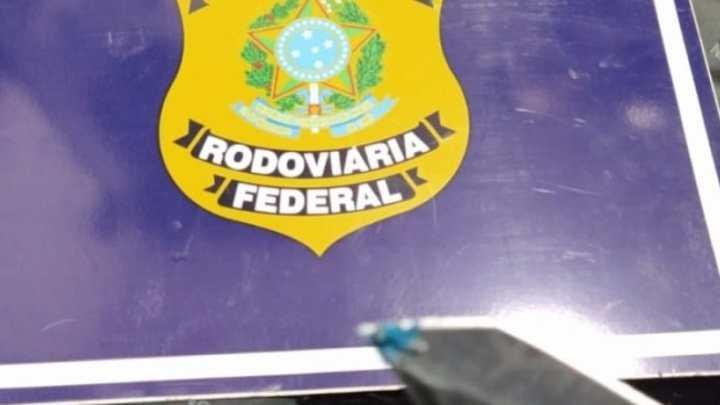 AC: PRF apreende 6,5 Kg de cocaína com peruano durante fiscalização em ônibus na BR-364