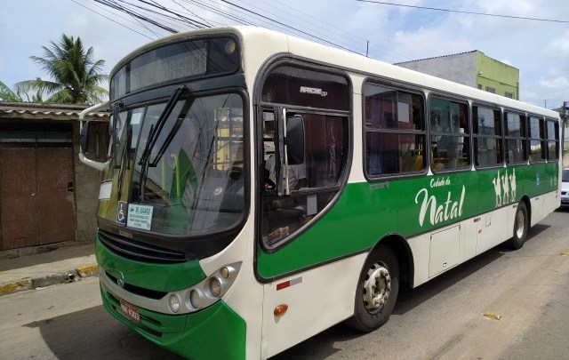 Prefeitura de Natal anuncia aumento na frota de ônibus, após coletivos circularem lotados