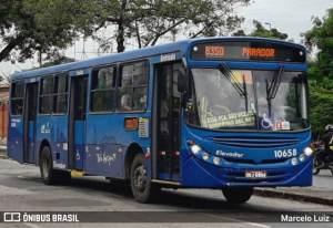Colisão entre carro e ônibus deixa 4 feridos na Região Metropolitana de BH