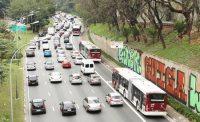 São Paulo: Prefeitura inicia manutenção em faixas exclusivas de ônibus