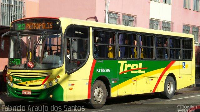 RJ: Prefeitura de Petrópolis apreende dois ônibus da Trel  no Meio da Serra Velha