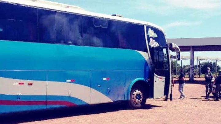 PI: Polícia apreende ônibus que fazia linha clandestina em Campo Maior durante a pandemia da Covid-19