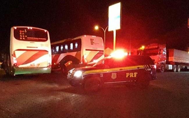 RO: Polícia Rodoviária Federal realiza escolta de 130 estudantes repatriados da Bolívia