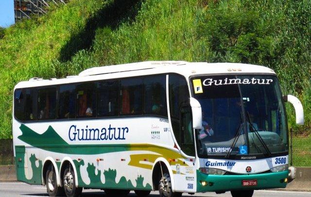CE: Ônibus acaba barrado  e multado ao tentar entrar na cidade de Pedra Branca